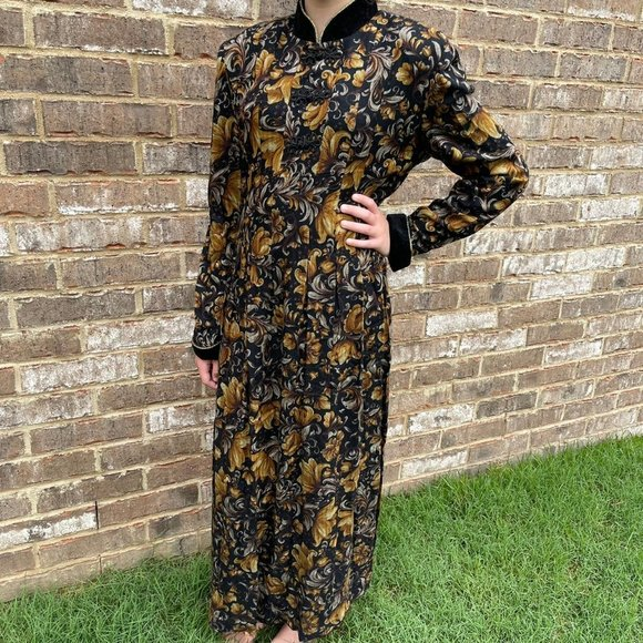 Vintage witchy dress by Jessica Howard